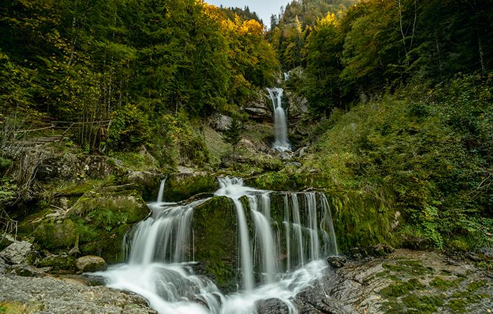 Wanderung mit Wasserfällen