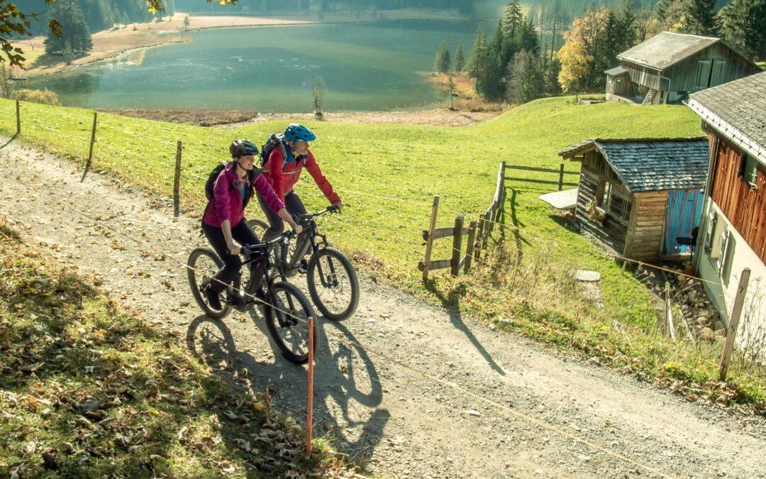 Mit dem E-Mountainbike zum Lauenensee